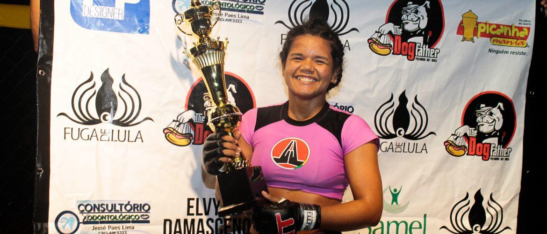 Conheça a lutadora que é uma grande promessa do MMA no Amazonas