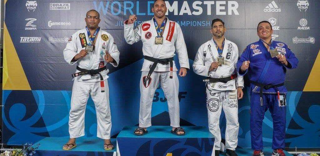 Fabio Aníbal Fatura Bronze no World Master Championship