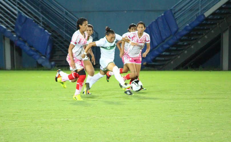 Manaus FC bate Salcomp e encara Iranduba na grande final do Amazonense de Futebol Feminino 2016