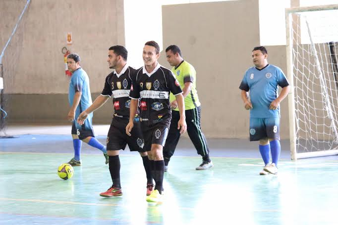 2ª Copa Jump de Futsal começa com louvor e show de gols no Clube do Trabalhador, em Manaus