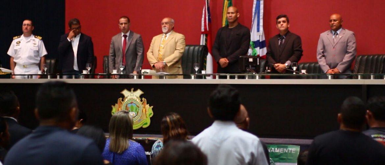 """Ronaldo """"Jacaré"""" recebe título de Cidadão Amazonense apresentado pela Assembleia Legislativa do Amazonas"""