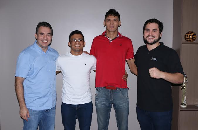 Vencedores do Projeto Nema formalizam contrato com a Equador