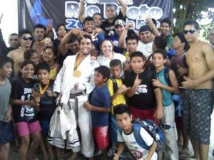Marcio junto com a equipe em Manaus, em 2010.