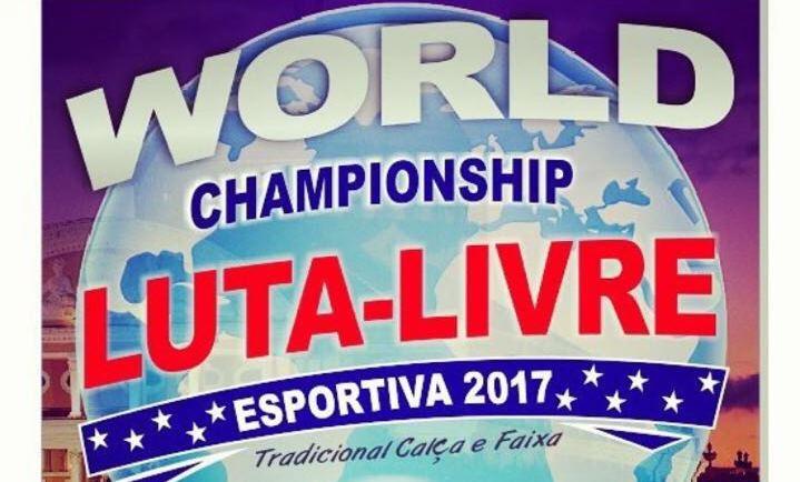 Lutadores sobem na balança do World  Championship de Luta Livre Esportiva