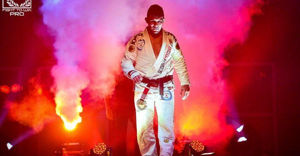 Ícone do jiu-jitsu, Rodrigo Pinheiro comemora sucesso no exterior