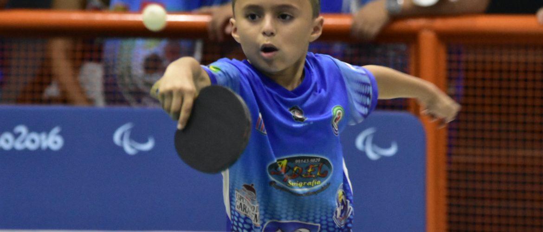 Cerca de 60 atletas de todas as idades participaram da penúltima etapa do Campeonato Amazonense Individual de Tênis de Mesa