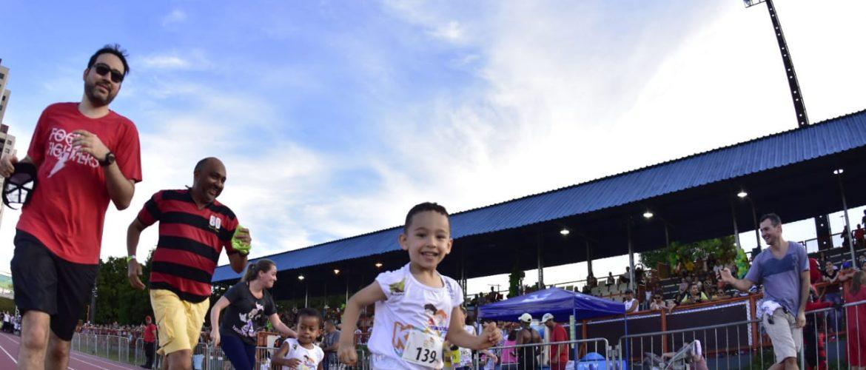 Em corrida sustentável, terceira edição da Maratona Kids reúne cerca de duas mil pessoas na Vila Olímpica de Manaus
