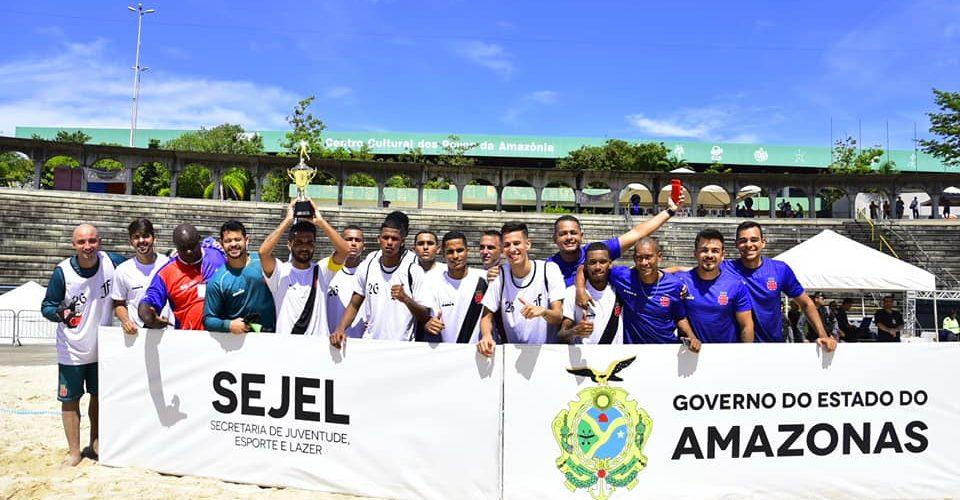 Vasco goleia o Botafogo por 4 a 0 e conquista o título do 'Desafio dos Campeões' de Beach Soccer