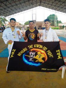 Professor e atletas conquistam três ouros e uma de prata no Open Roraima de Taekwondo