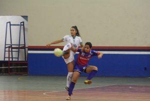 Esportes coletivos movimentam as quadras da Vila Olímpica pelo JUAs