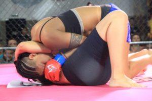 Em noite memorável, lutadoras mostram sua força e dão show no octógono do Skull Champions Girls